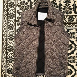 Abercrombie and Fitch gray and white speckled vest